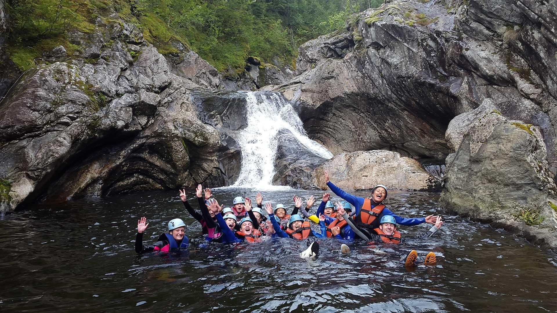Mennesker som juver sammen med Fjord Active